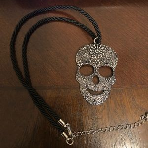 Jewelry - XL Skull 💀 Pendant on An Adjustable Rope Chain